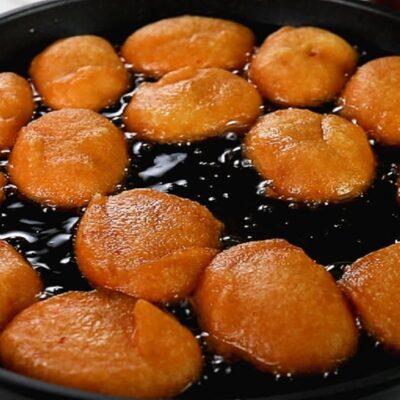 Akara frying