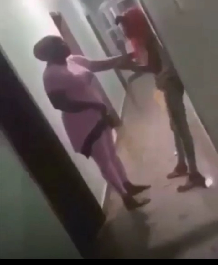 mother catches daughter in hotel
